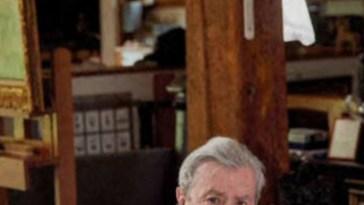 Alain Delon, beauté, relations avec sa mère, l'acteur se livre