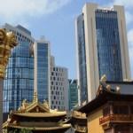 Voir s'entrechoquer ancien et moderne à Jing'an Temple