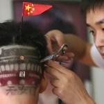 Première coupe de cheveux en Chine