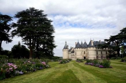 Vue du château de Chaumont depuis les jardins