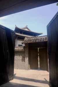 Au milieu des rues 1900, une fausse demeure chinoise traditionnelle