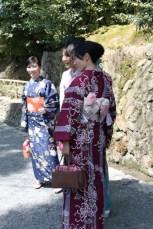 Kimonos de printemps à l'entrée du Kinkaku-ji (2009)