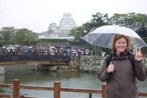 Susie devant le château de Himeji