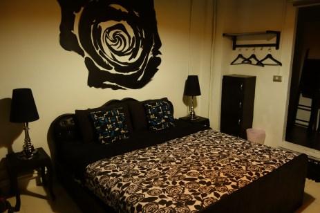 Notre nouvelle chambre, black rose