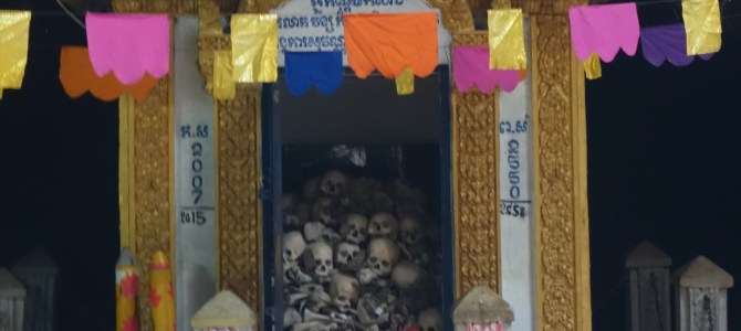Battambang – Killing caves and bats / Grotte de la mort et chauve-souris