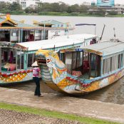 Boats to take you to the Citadel from $4 to $1 by walking 5 metres further!
