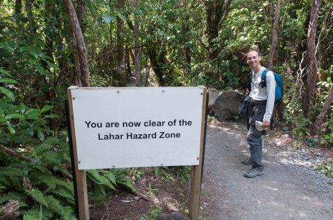 """Ouf ! Mais qu'est-ce qu'un """"lahar"""" ? What a relief but what's a lahar?"""