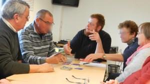 Formation sur l'explication de règles de jeu pour les bénévoles du CLARPA56