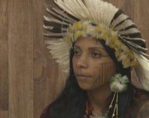 Brésil : la pandémie est dans les mains d'un génocidaire, déclare la leader indigène Avelin Buniaca -- Eleanora de  LUCENA, Rodolfo LUCENA