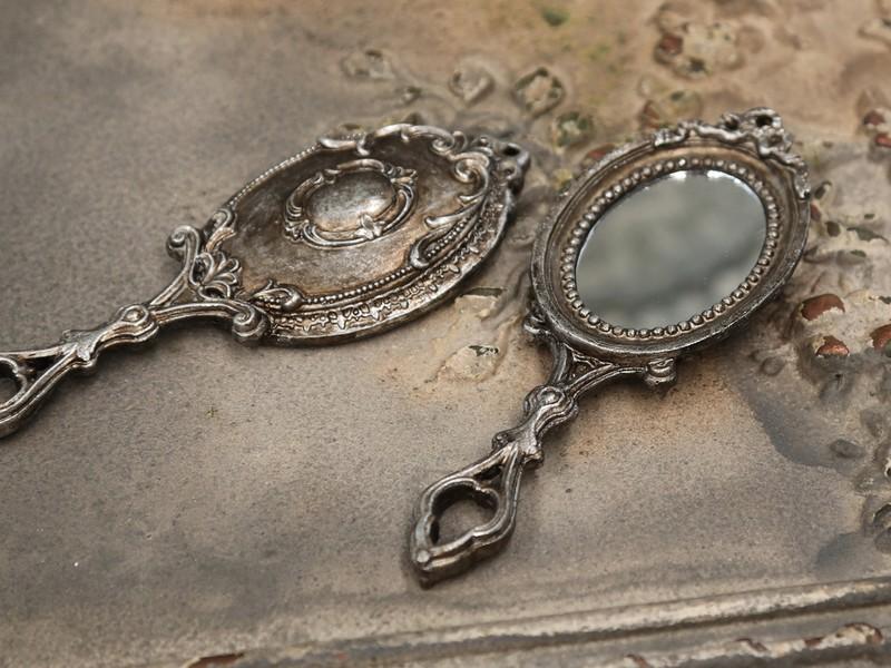 main romantique et shabby chic miroir
