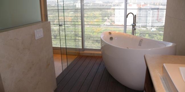 poser une baignoire a porte