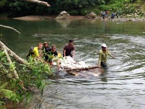 Lehigh University b2p Vallecito transporting supplies in river