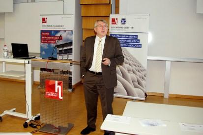 Mit dem Werkstoff Magnesium, befasste sich die zweite Keynote. Prof. Dr.-Ing. Karl Ulrich Kainer vom Helmholtz-Zentrum Geesthacht schilderte das enorme Potenzial von Magnesium. (Quelle: Hochschule Landshut)
