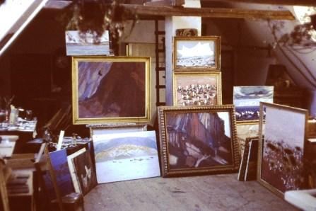 Leifs atelier i Hellebæk med grønlandsbilleder