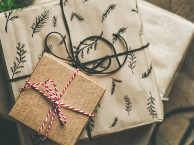 2019 Holistic Gift Guide - Holistic Lifestyle Leigh Ann Lindsey