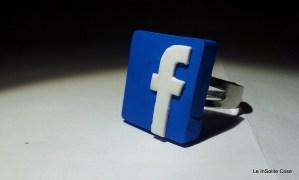 2013 - Anello Facebook freak - www.leinsolitecose.com (1)