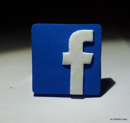 2013 - Anello Facebook freak - www.leinsolitecose.com (3)