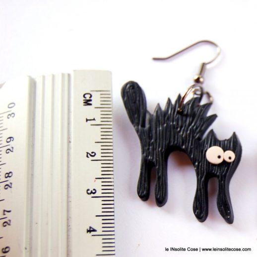 Orecchini gatto nero arruiffato www.leinsolitecose.com - le INsolite Cose 2016 (4)