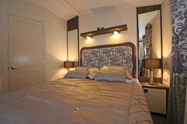 Regal Symphony master bedroom