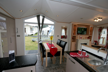 Victory-Avalon-fully-equipped-dining-area