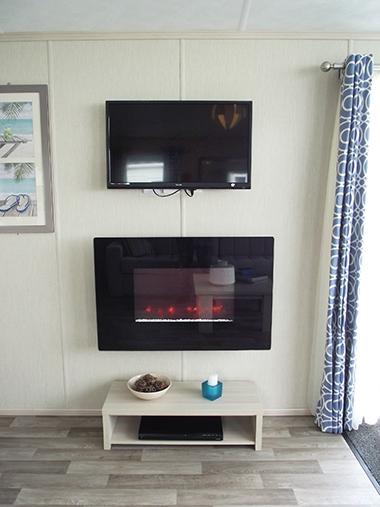 Pemberton Lancaster - Fire and TV