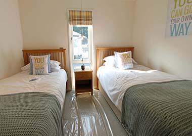 HC Pathfinder - Twin Bedroom