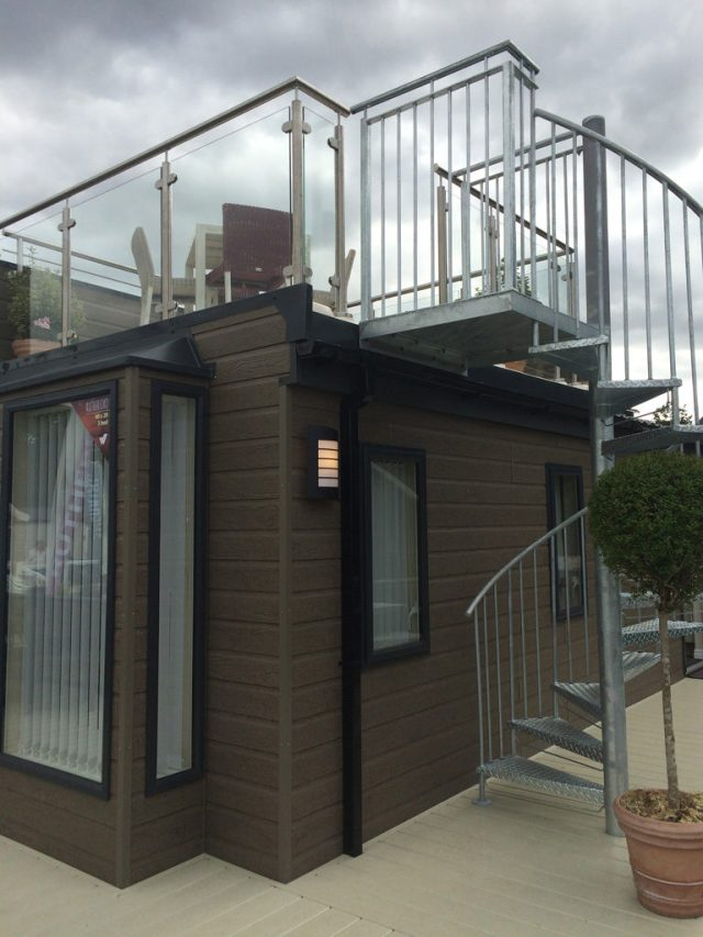 Willerby Rutherford Roof top