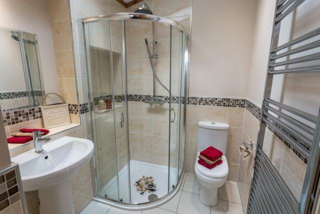 Tingdene Warreners family shower room