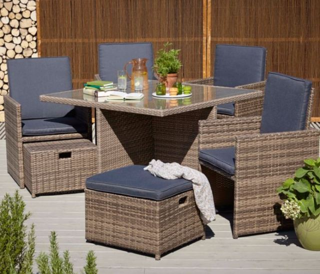 Borneo outdoor eating furniture
