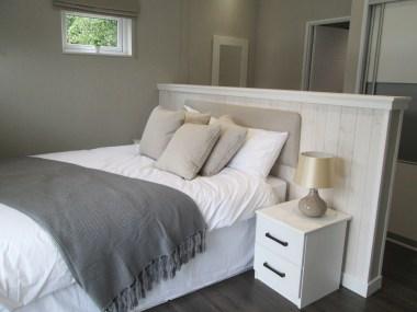 Omar Atrium Master Bedroom Bed