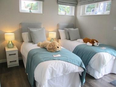 Omar Atrium Twin Bedroom