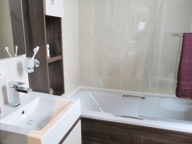 Pemberton Arrondale Bathroom