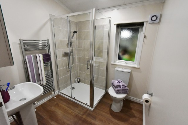 Willerby Juniper Family Shower Room