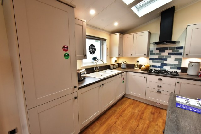 Willerby Juniper Kitchen