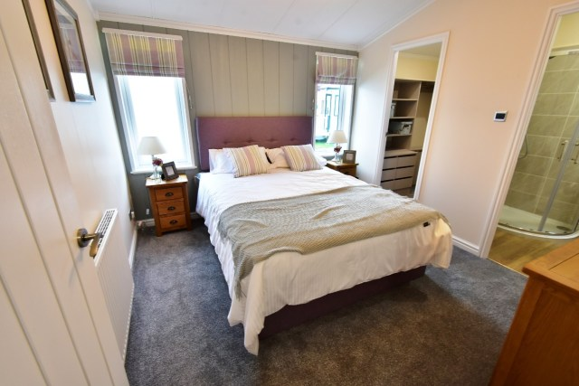 Willerby Juniper Master Bedroom