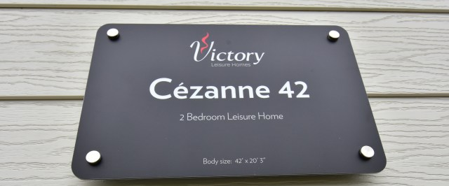 Victory Cezanne sign
