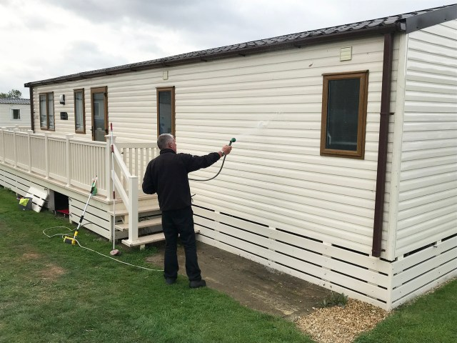 Static caravan cleaning sides