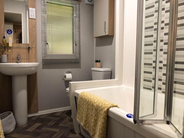 2019 Willerby Castleton static caravan bathroom