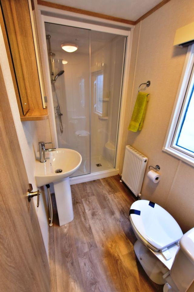 Carnaby Oakdale Shower Room