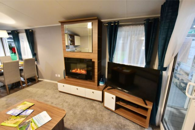 Willerby Avonmore Fireplace and TV stand