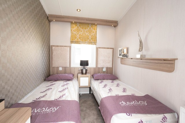 2020 Swift Champagne holiday twin bedroom