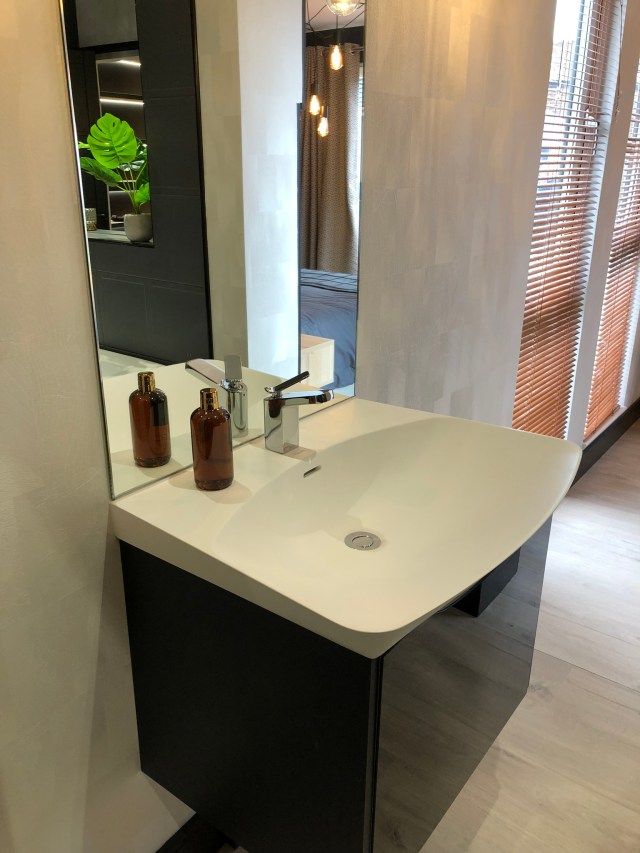 2020 Tingdene Quantum lodge wash basin