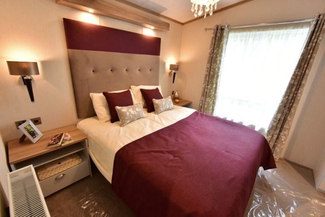 2020 Pemberton Abingdon Lodge master bedroom