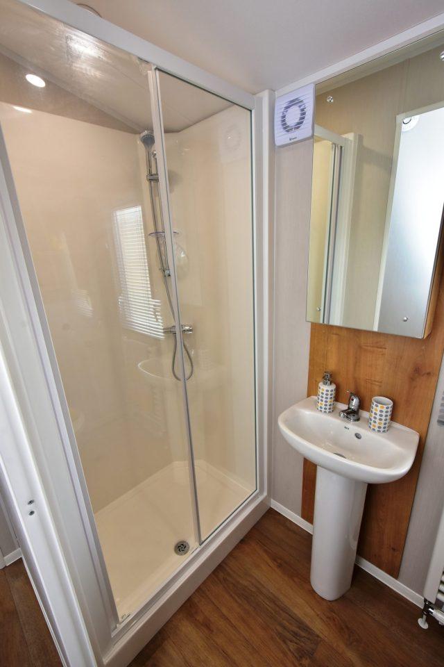 2020 Willerby Kelston static caravan family bathroom