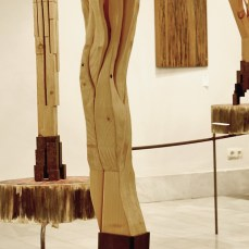 Cabiró de fusta i perfil metàl·lic de rebuig 24 x 24 x 74 cm