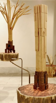 Cabiró de fusta i perfil metàl·lic de rebuig 35 x 30 x 58 cm