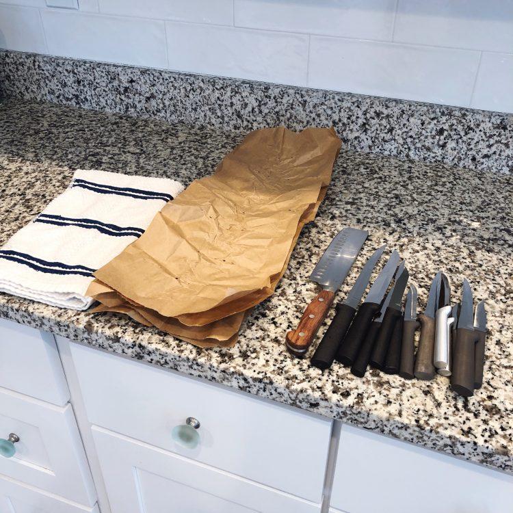 safely pack kitchen knives