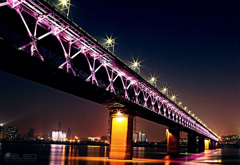lighting projector iron bridge design idea for super LED high power projector flood lights