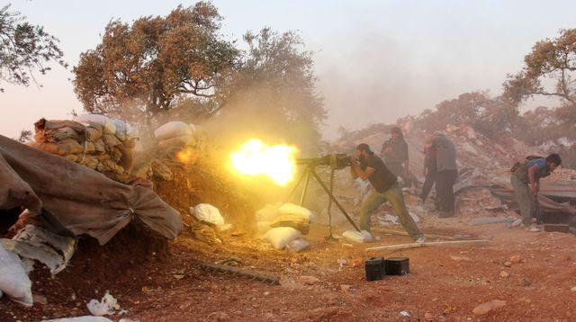 Des conspis à L'Express : des rebelles formés par les Américains ont donné des armes à Al-Qaïda