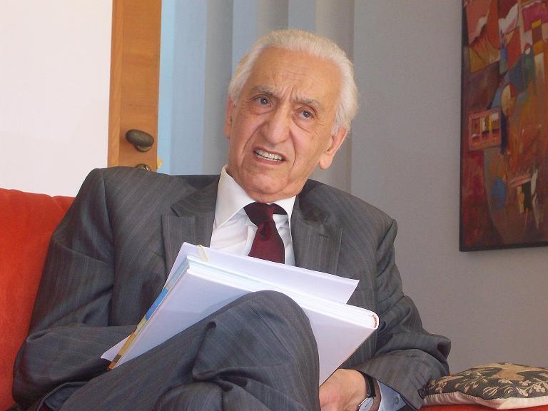 Algérie : Décès de Hocine Aït Ahmed, le dernier survivant des historiques de la Révolution de Novembre